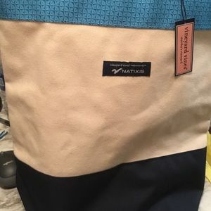 Vineyard Vines NWT bag. Great for 🏖 beach